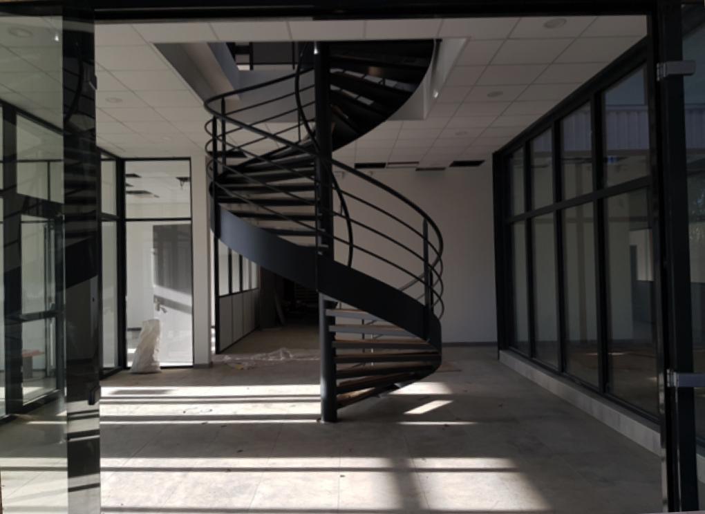 escalier-colimaçon-bureau